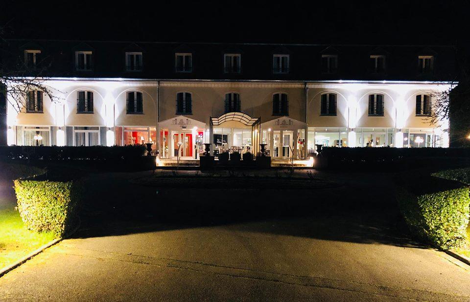 Réfection d'éclairages extérieur appliques et potelets à l'Hotel du Pré Saint Germain – Louviers