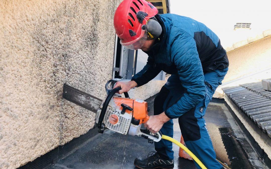 Découpe de murs pour passage de conduits VMC et création de trappes d'accès à Evreux